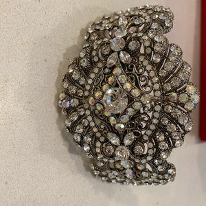 Jewelry large statement hair clip